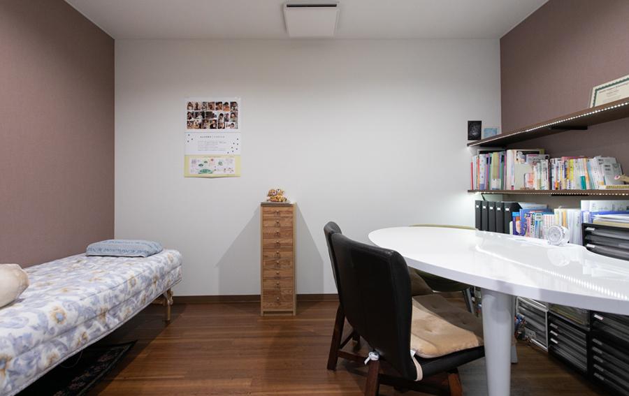プライバシーを守るための個室のカウンセリングルーム